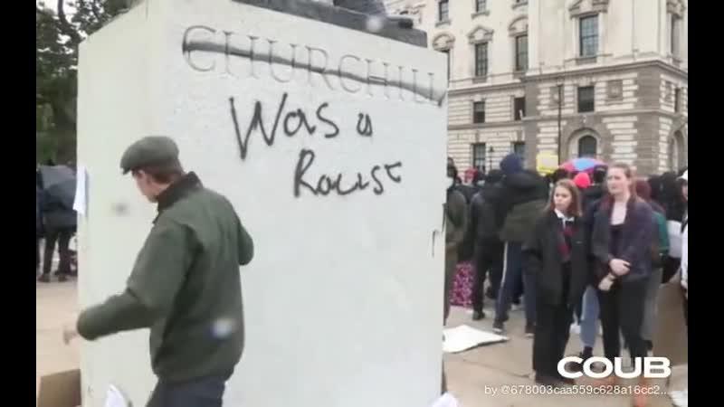 London Man disrupts Black Lives Matter demo, kicks away protest signs at Churchill statue   AFP