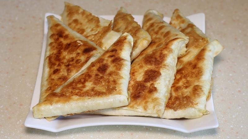 Беру лаваш начинку и через 15 минут вкуснейшие пирожки готовы