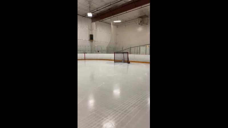 Сногсшибательный хоккейный трюк