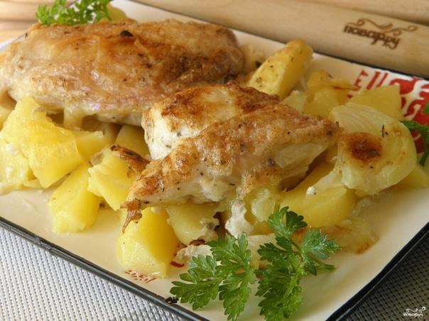 Ммм, объедение Картошка с курицей в духовке под соусом