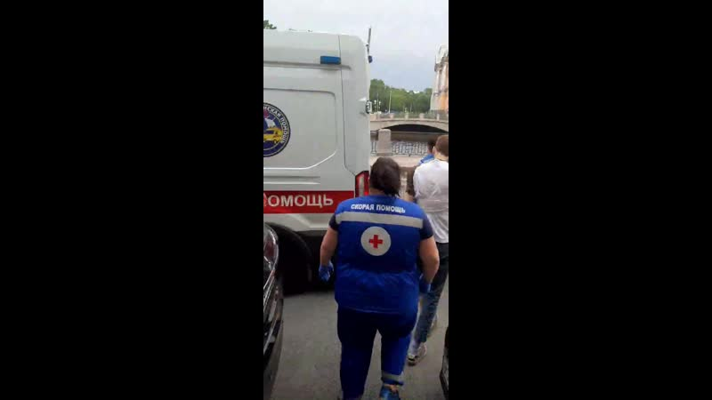 На журналиста Давида Френкеля напали наблюдатель и полицейский на избирательном участке № 2191