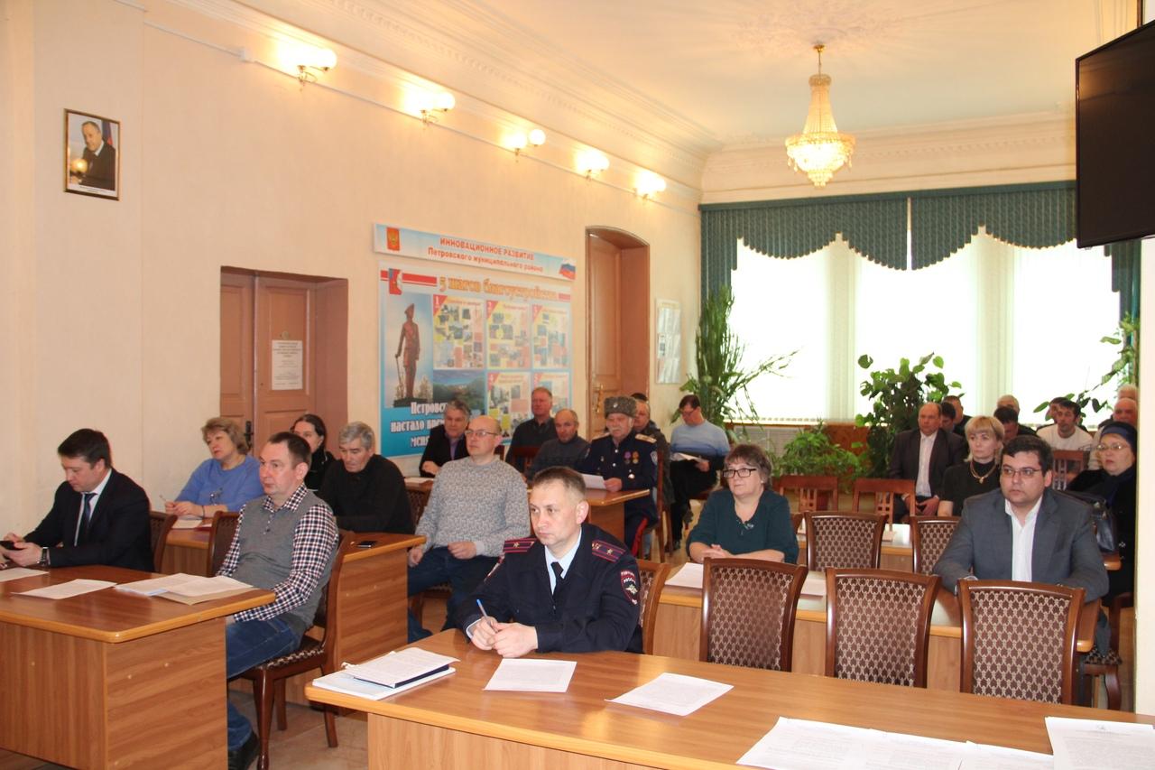 В Петровском районе проходит тренировка - отработка действий служб и подразделений КЧС во время весеннего паводка