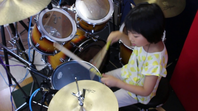 Immigrant Song Led Zeppelin 7year old drummer Yoyoka レッド・ツェッペリン『移民の歌』 7歳女子ドラマ 12540