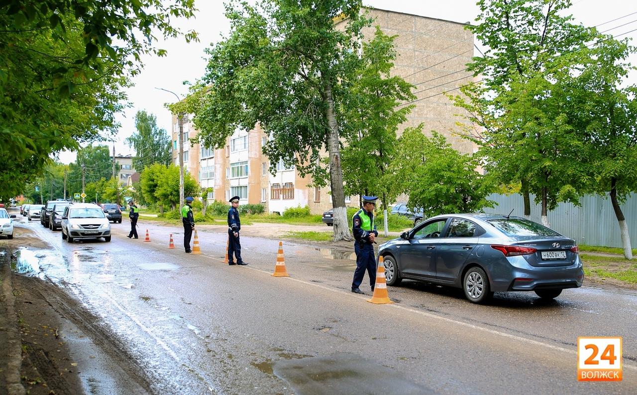 Сегодня в Волжске сотрудники Госавтоинспекции проверят соблюдение водителями правил перевозки детей