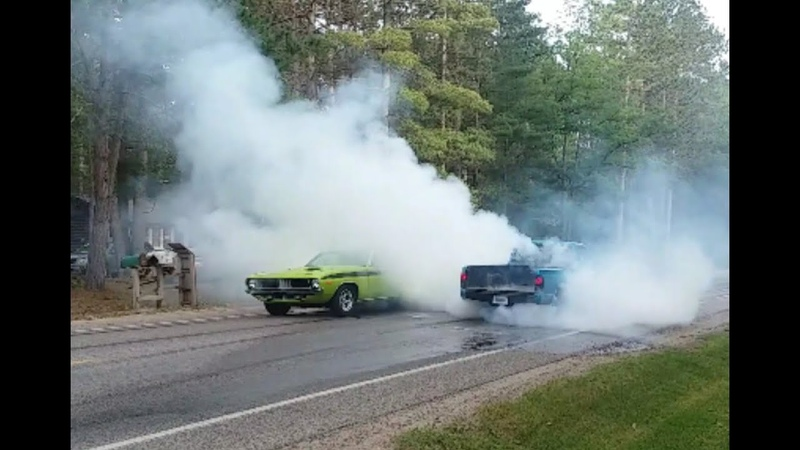 Lewiston Car Show Parade Mega Burnouts