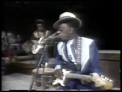 Live at ACL Lightning Hopkins sings Going to Louisiana That Woman Cant Carry No Heavy Load The
