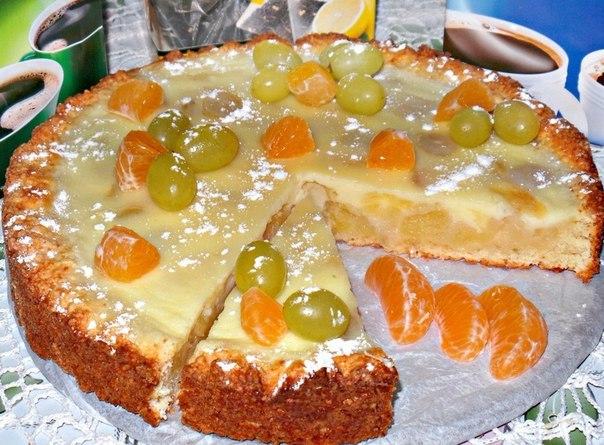 Заливной ,творожно яблочно-виноградный пирог получается очень-очень вкусный,с нежной начинкой