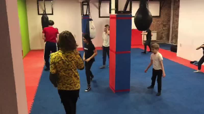 Тренировки по акробатике Школа брейк данса Scramble