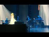 Полина Гагарина - Выше головы (СибурАрена 19.04.19)