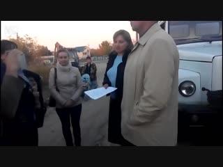 Женщина отказалась оплачивать газ и свет посредникам. Приехала комиссия отключить газоснабжение. Дальше её диалог с комиссией.