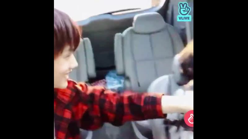 Mad props to jisung for dealing with chenle whenever he pulls shit like this