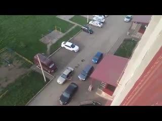 В селе Мариинский байкер расстрелял таксиста из-за дорожного конфликта