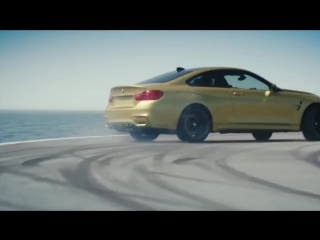 BMW M4 дрифт на авианосце