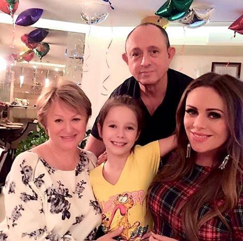 Отец Юлии Началовой рассказал как внучка справляется с горем!