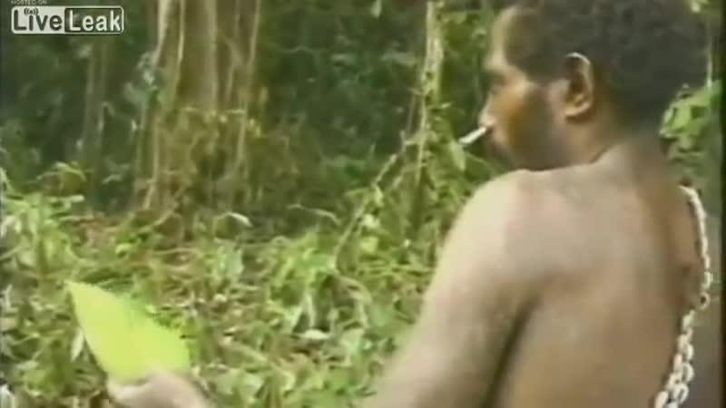 Племя первый раз видит белого человека 1976 год