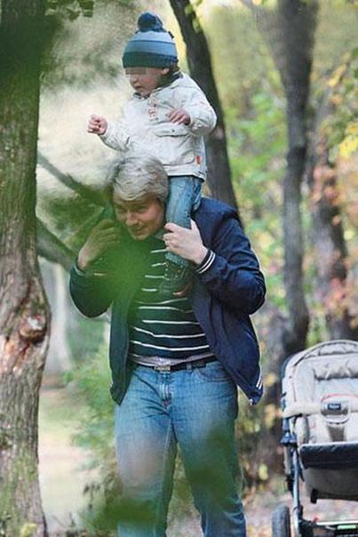 Сын Николая Баскова отказался от звёздной фамилии отца.
