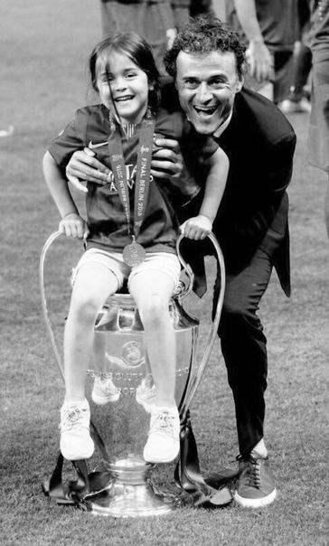 Умерла 9-летняя дочь бывшего тренера Барселоны и сборной Испании по футболу Луиса Энрике