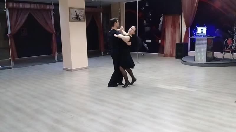 Такой замечательный воскресный день)) Репетиция танца Елены и Дмитрия😍😍 Всем хорошего дня!!