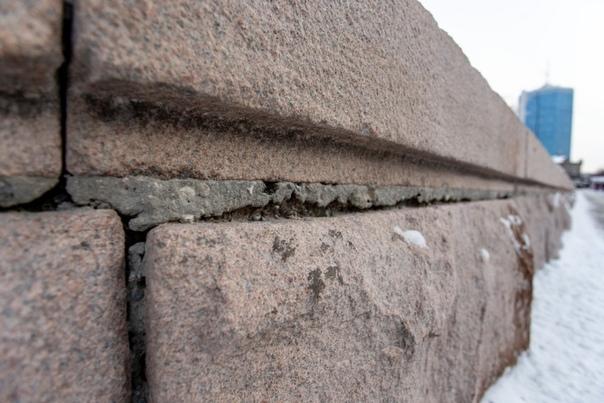 Власти Челябинска потратили 5,6 миллионов на реконструкцию площади Ярославского Изначально, работы должны были закончиться 1 октября, но, конечно же, не закончились и теперь речь идет про 15