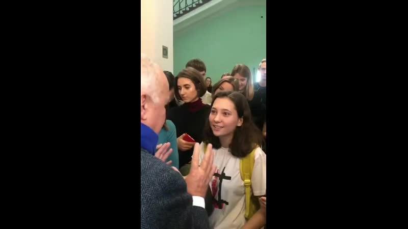 Киселев в МГУ ответил на неудобные вопросы Оли Мисик (девочки с Конституцией с митингов)