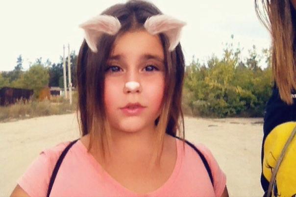 В Дзержинске Нижегородской области в субботу погибла 14-летняя Кавалева Девочка прыгнула с крыши дома 38 по проспекту Циолковского. Смерть школьницы наступила мгновенно, прибывшие через пару