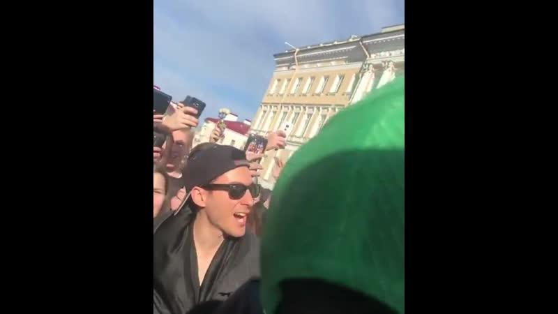 Выступление группы 30 Seconds to Mars в центре Петербурга
