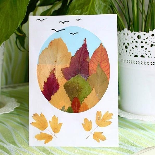 ОСЕННИЕ ПОДЕЛКИ ИЗ ЛИСТЬЕВ. Красивая осенняя открытка из засушенных листочков.