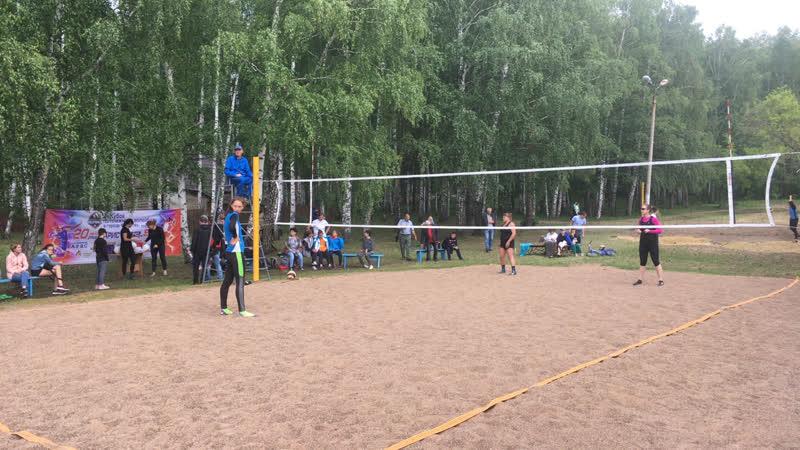 Финал III Открытого Кубка по пляжному волейболу между женскими командами в Кумертау