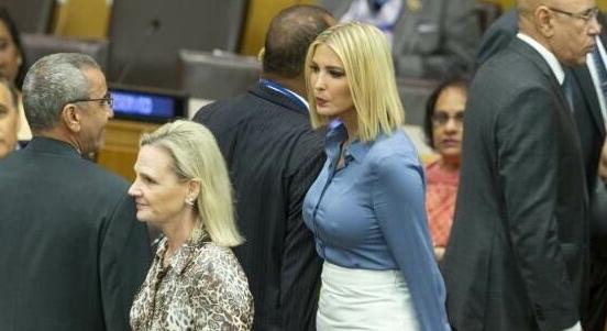 «Словно без белья»: дочь Трампа раскритиковали за провокационный наряд Дочь американского президента Дональда Трампа заявилась на заседание Генассамблеи ООН в весьма провокационном наряде.