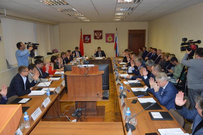 На очередном заседании Совета депутатов избран глава