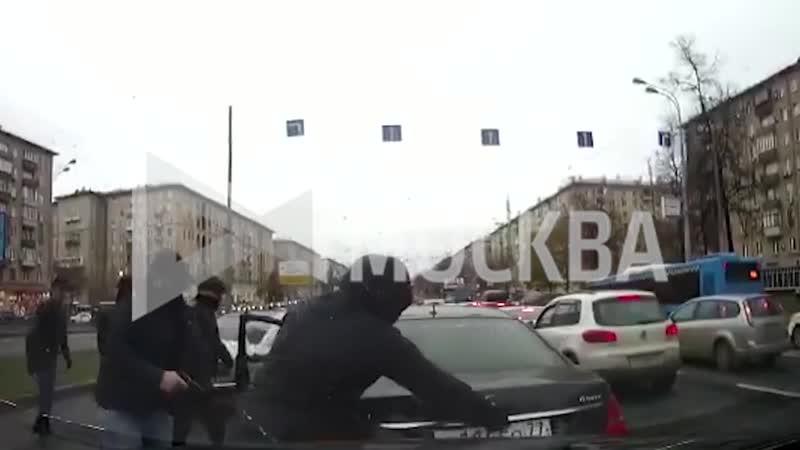 Эпоха 90-х никуда не уходила из Москвы