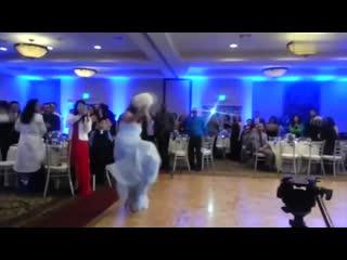 Первый танец невесты и жениха