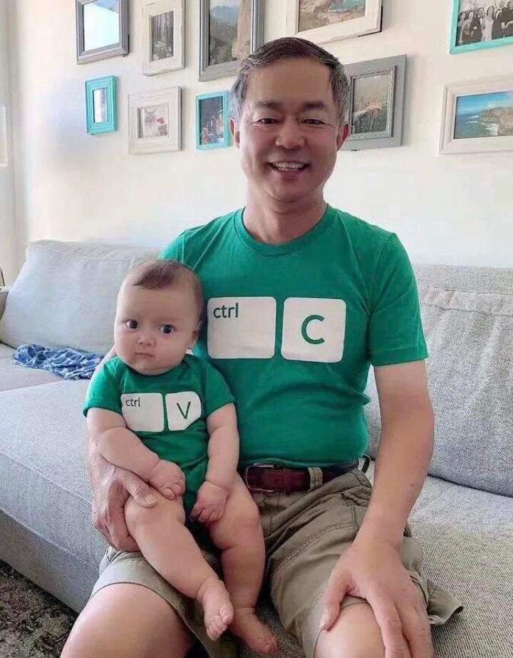 Жена купила своим ребятам такие футболки