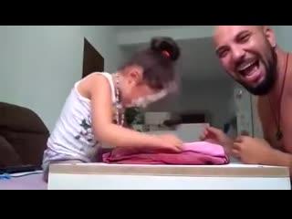 Оставила дочку с папой))