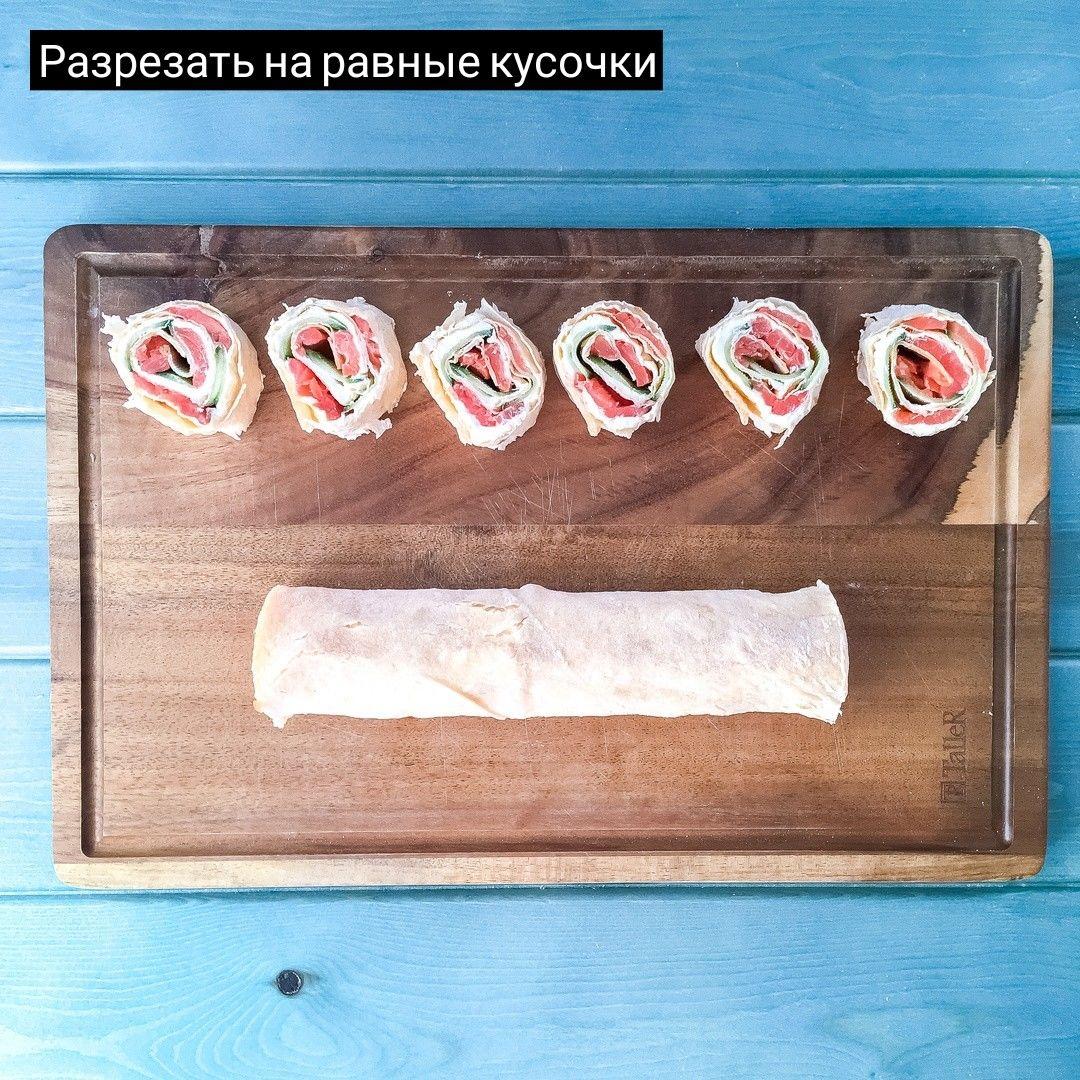 Роллы с красной рыбкой