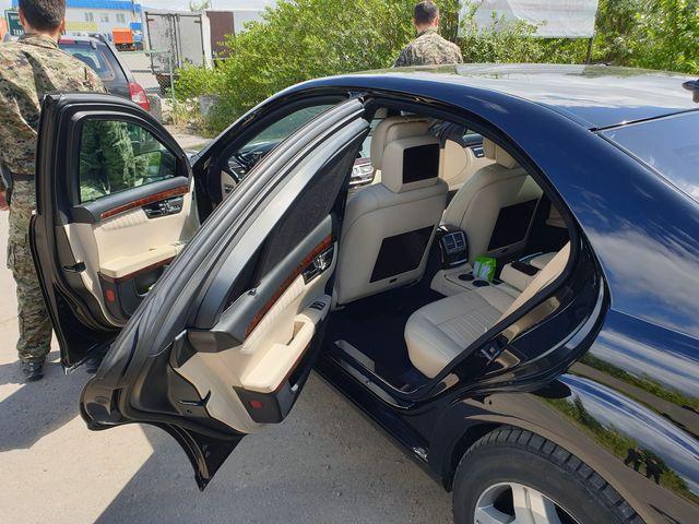 Таганрогские таможенники задержали бронированный автомобиль Mercedes-Benz S600L