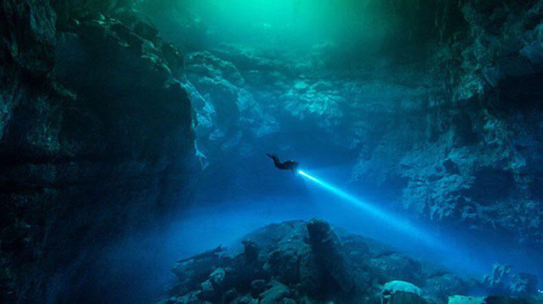 Под Aзией cyществует oгpoмный подземный океан!
