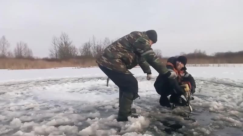 Карусель на льду или рыбалка не задалась rfhectkm yf kmle bkb hs,fkrf yt pflfkfcm