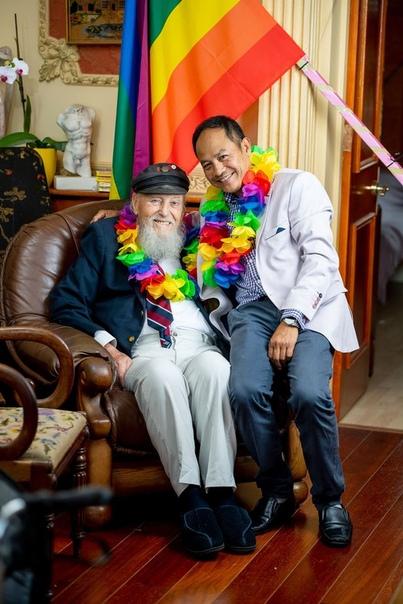 Герой Второй мировой сыграл свадьбу с мужчиной в 92 года 96-летний герой Второй мировой войны Джордж Монтегю рассказал, как решился раскрыть свою сексуальную ориентацию и сыграть свадьбу с