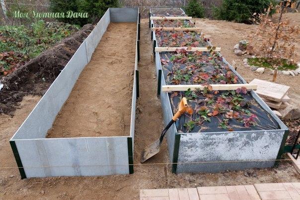 Традиционный огород: копаем один раз Перекопка выполняет одну важную функцию: она разбивает плотные, слипшиеся и затвердевшие комья, обогащая грунт воздухом и улучшая структуру тяжелых почв.