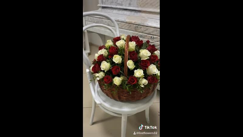 Розы в корзине💐