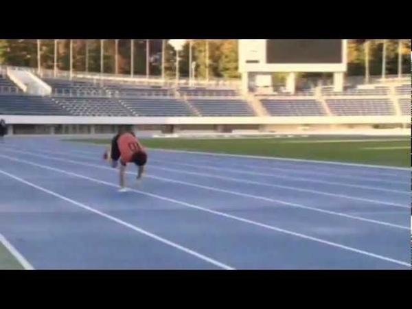 Мировой рекорд в беге на четвереньках на дистанции 100 м