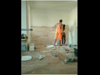 Отделка стены плиткой под песчаник руками жены - Ярослав Сиплатов -