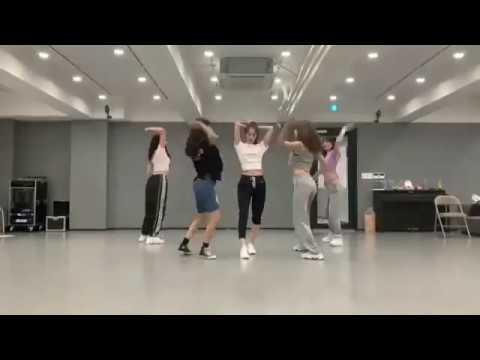 SNSD YOONA dances Why and BBI BBI