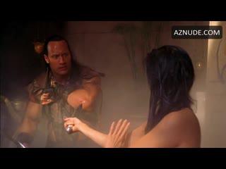 Kelly Hu Bath Scene | Scorpion King (2002)