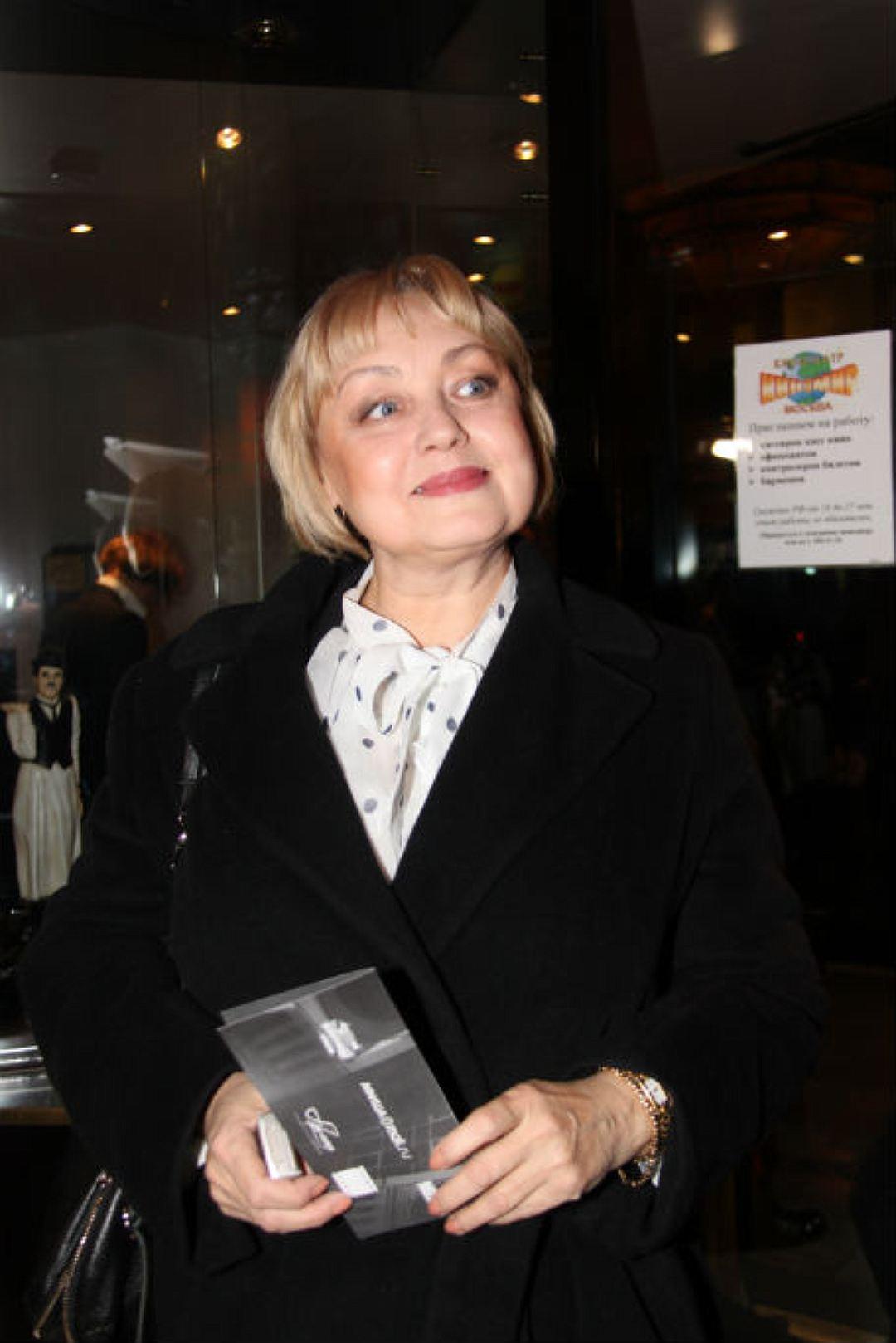Сегодня свой день рождения отмечает Шанина Елена Юрьевна.