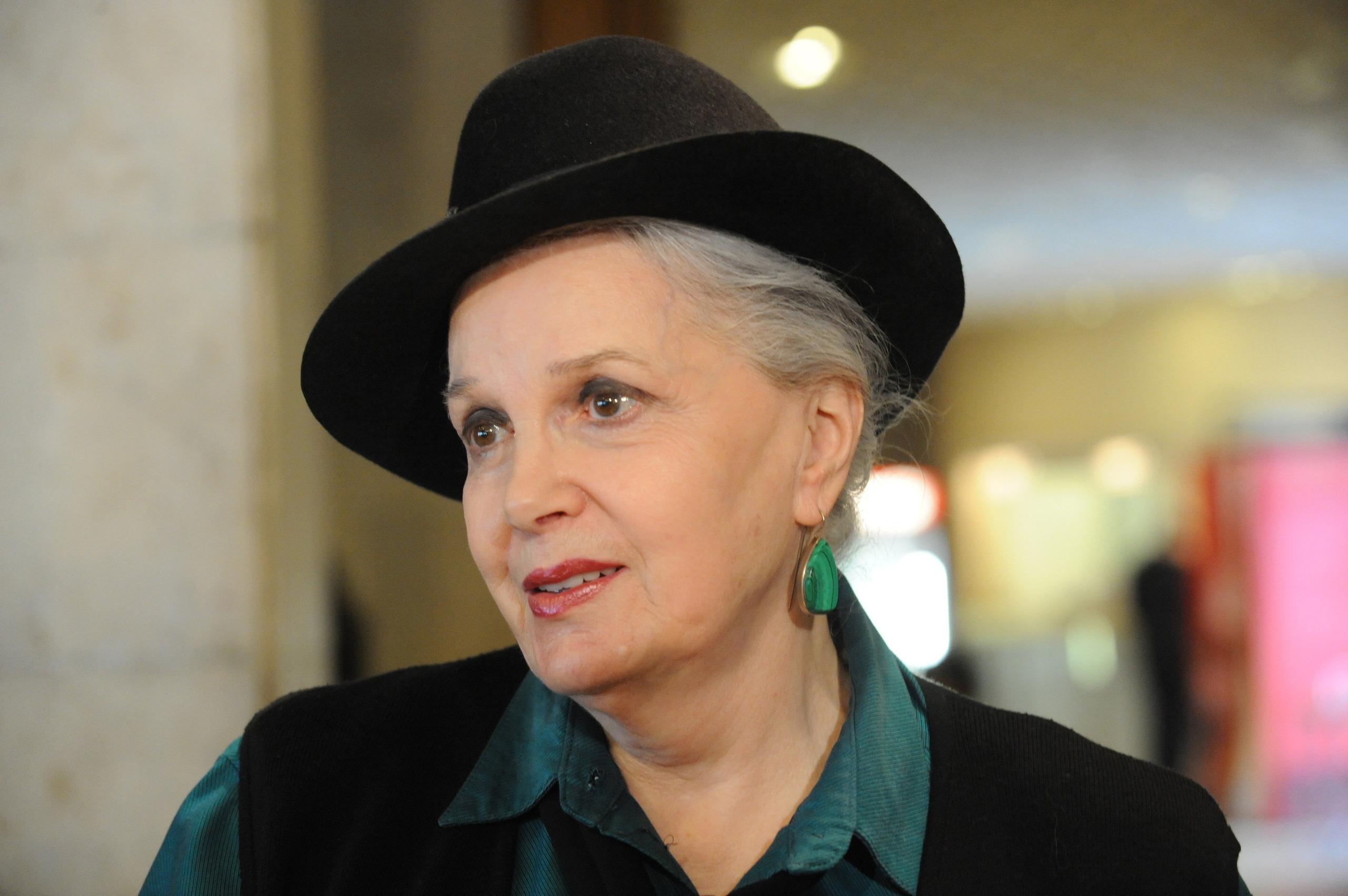 Сегодня свой день рождения отмечает Быстрицкая Элина Авраамовна.
