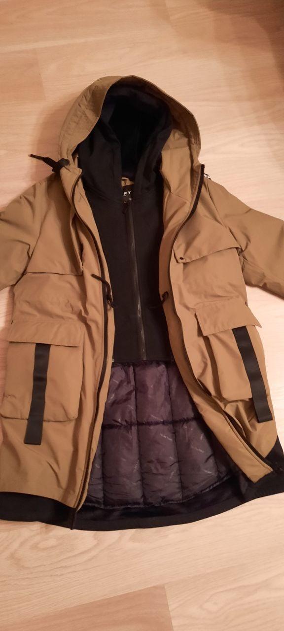 Продам зимнюю куртку-парку мужскую.