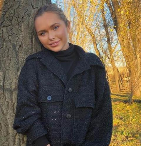 Стеша Маликова поблагодарила родителей: «Благодаря родителям с 16 лет зарабатываю с рекламных контрактов»