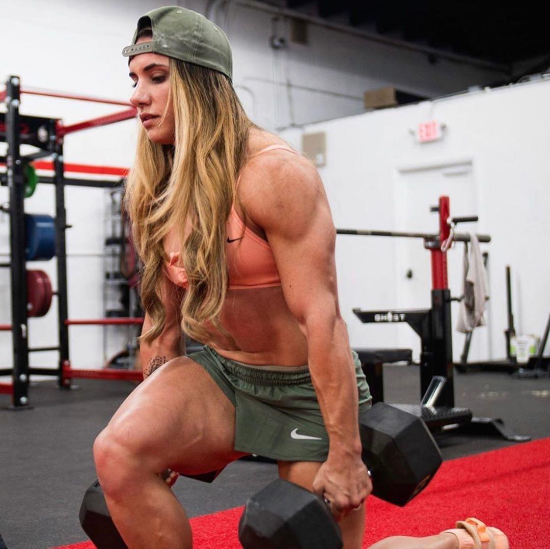 Стефани Кохэн — эта девушка тянет 200 кг при весе 50 кг